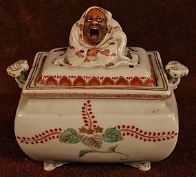 Kakiemon Porcelain Incense Burner with Founder of Zen