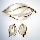 Brooch and Earrings 3 piece White Enamel in Goldtone