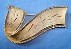 Vintage Gold Tone Bow Brooch Signed JJ - Wonderful Design