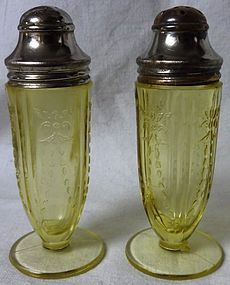 Madrid Amber Footed Shaker Pair Federal Glass Company