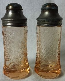 Normandie Pink Shaker Pair Federal Glass Company