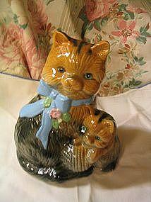 Mama Cat & Kitten Figurine