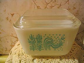 Pyrex Butterprint Refrigerator Dish