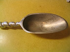 Vintage Kitchen Scoop