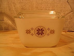 Pyrex Town and Country Refrigerator Dish
