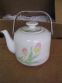 Toscany Tulip Teapot