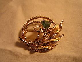 Sarah Coventry Jade and Pearl Brooch