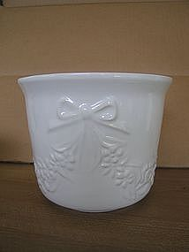 EC White Planter