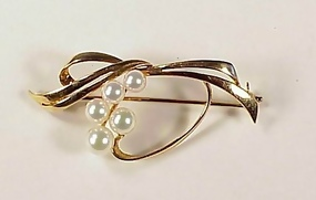 Mikimoto 14K Yellow Gold & Pearl Brooch