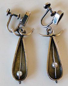 Phyllis Jacobs Kinetic Sterling Mod '50s Pearl Earrings