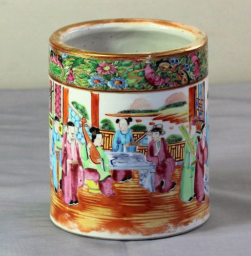 Chinese Export Rose Mandarin Porcelain large Brush Pot
