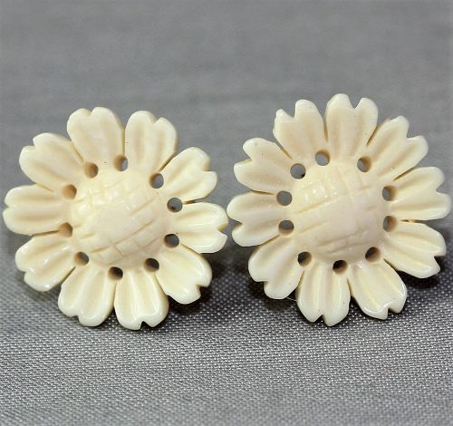 Pair Chinese carved flower ivory Earrings
