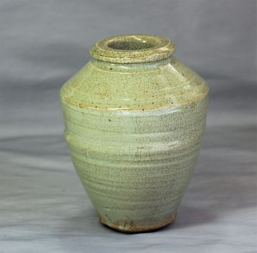 Chinese Celadon crackled Stoneware Vase, Ming period
