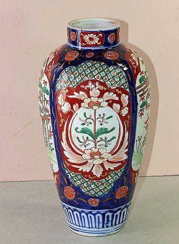 Japanese Imari Porcelain Vase, Meiji period