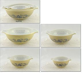 PYREX � HOMESTEAD PATTERN 4 PIECE NESTED BOWL SET