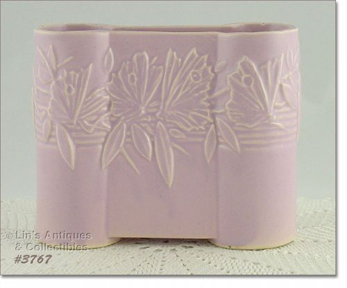 McCOY POTTERY � BUTTERFLY LINE CASTLE GATE VASE