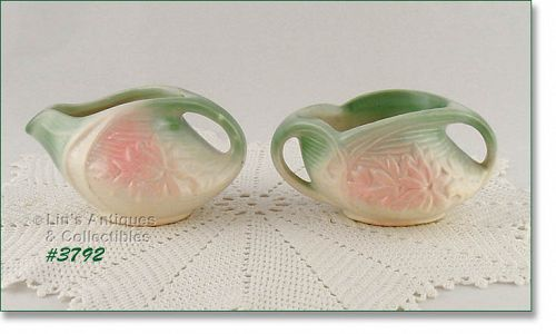 McCOY POTTERY � PASTEL DAISY CREAMER AND SUGAR (1942)