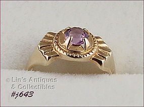 10KT YELLOW GOLD WITH AMETHYST RING (SIZE 4 ½)