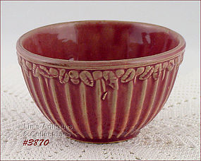 McCOY POTTERY � LEAVES AND BERRIES BOWL