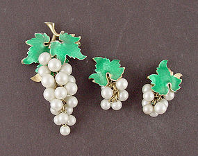 Vintage Faux Pearls Grape Cluster Pin and Earrings