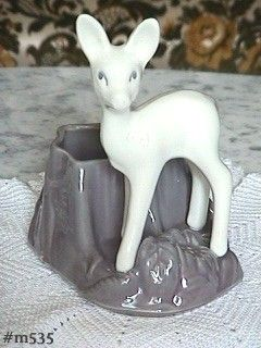 SHAWNEE -- DEER BY STUMP PLANTER (WHITE AND GRAY)
