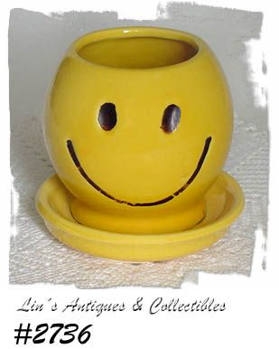 McCOY POTTERY -- SMILE (HAPPY) FACE PLANTER