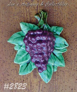 McCOY POTTERY -- PURPLE GRAPES WALL POCKET