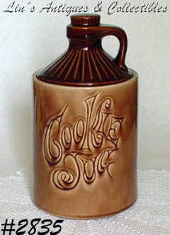 McCOY POTTERY -- COOKIE JUG COOKIE JAR (BROWN)