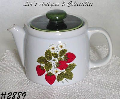 McCOY POTTERY -- STRAWBERRY COUNTRY TEAPOT