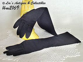 LADY'S BLACK GLOVES