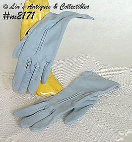 LADY'S LIGHT BLUE GLOVES