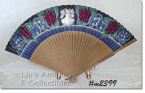 LADIES VINTAGE HAND-HELD FAN