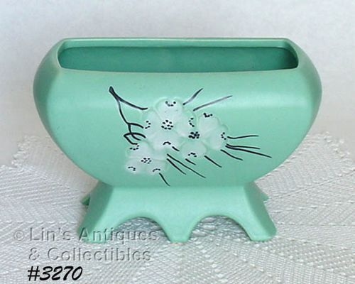 McCOY POTTERY -- SPRING WOOD FOOTED PLANTER (GREEN)