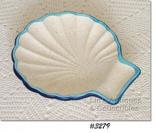 McCOY POTTERY -- SHELL SHAPED DISH (WHITE WITH BLUE)