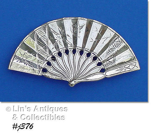 STERLING SILVER FAN SHAPED PIN