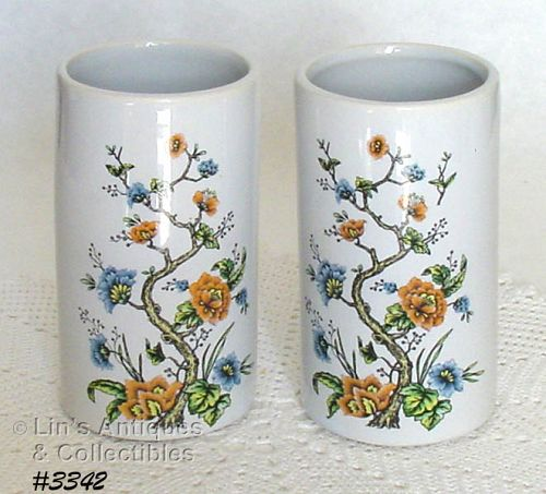 McCOY POTTERY � PAIR OF MATCHING VASES