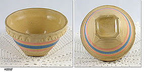 McCOY POTTERY � SQUARE BOTTOM BOWL (5 3/8�)