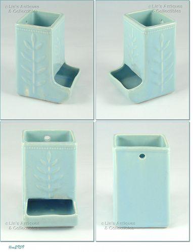 SHAWNEE POTTERY � FERN LEAF (WHEAT) MATCHBOX HOLDER (BL