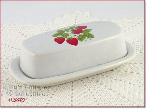 McCOY POTTERY � STRAWBERRY COUNTRY COVERED BUTTER
