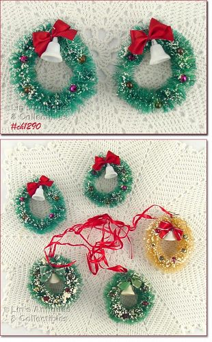 5 BRUSH WREATH SHAPED ORNAMENTS