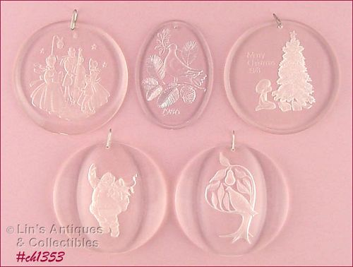 FIVE ASSORTED ACRYLIC ORNAMENTS