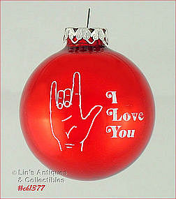 �I LOVE YOU� -- SIGN LANGUAGE RED GLASS ORNAMENT