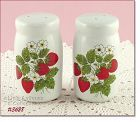McCOY POTTERY � STRAWBERRY COUNTRY SHAKER SET