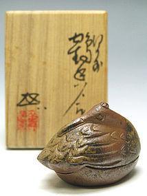 Japanese Bizen Crane Kogo by Uragami Zenji