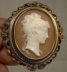 Early Empire 15K SUPERBLY CARVED CAMEO PIN c1820
