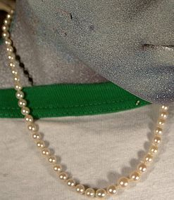 Lovely GRADUATED PEARL STRAND NECKLACE with 14K CLASP