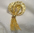 Lovely 18K BIRKS WREATH PIN with DIAMONDS c1950s