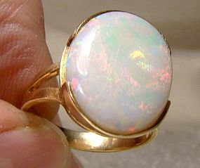 14K Natural Opal Gold Ring 1970s Large Colourful Stone