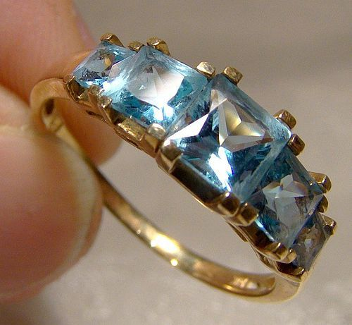 10K Yellow Gold Blue Topaz Ring 1980s 10 K Princess Cut Size 9
