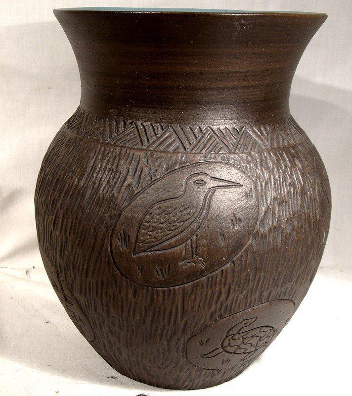 Kanyengeh Six Nations Pottery Large Vase - Signed Dee 1977